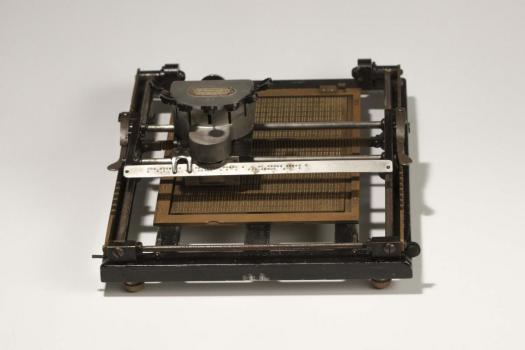 Antica tavoletta braille